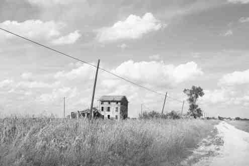 Chiara Paolucci - Le case nella valle